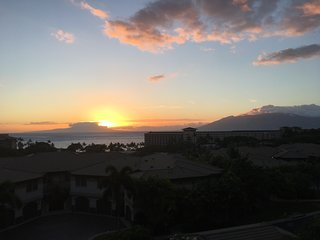 New Listing! Breathtaking Ocean Views from 3rd Row Luxury Villa at Ho'olei