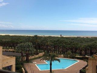 Precioso Ático Frontal Mar con acceso directo playa