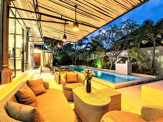 ❤$131 SEMINYAK 3BR Private Pool Villa | Hot TUB | 7 mins Beach ✔