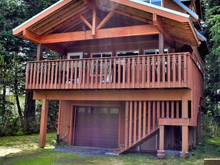 NEW LISTING! Dog-friendly chalet with comfortable interior and quiet location