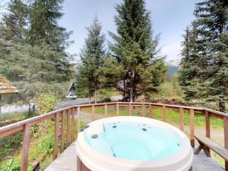 NEW LISTING! 3 separate cabins w/private hot tub-walk to lifts, great for groups