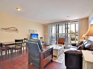 NEW LISTING! Waterfront condo w/ decks, shared tennis, & short path to the beach
