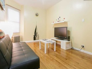 Modern 2 Bed Apt-5 Mins to Subway-10 Mins to Manhattan!