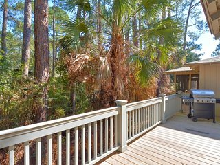 NEW LISTING! Dog-friendly cottage w/shared pool-tennis, golf & beach nearby!