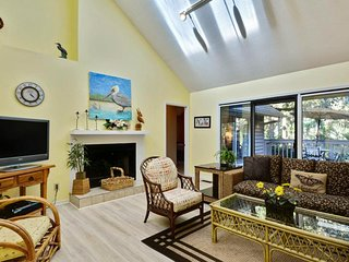 NEW LISTING! Large family-friendly home w/master tub - close to golf & beach
