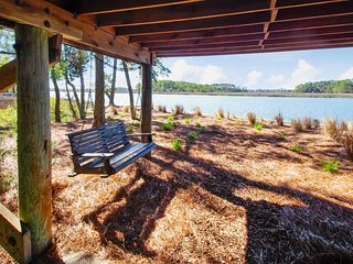 NEW LISTING! Stunning cottage w/ shared pool, river view, & easy beach access