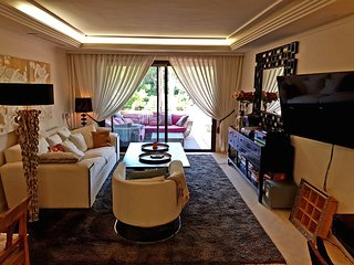 LUXURY BEACH APARTMENT IN ESTEPONA