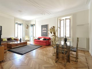 Prestigious apartment 140 sq.mt. in the heart of Milan