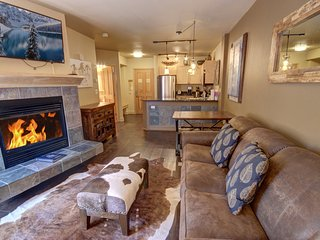 Silver Mill 8156 Hardwood Floor at this 1b by Summitcove Lodging