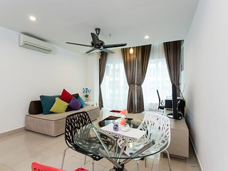 Duplex Suite | Next 2 LRT & Mall | Ara Damansara | Central to PJ and Sunway