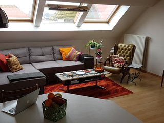 Trendy Loft; a short walk from the heart of Bruges, free parking, sleeps 4