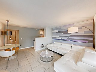 Modern 1BR w/ Prime Wilton Manors Location - Walk to Dining, Shops & Pubs
