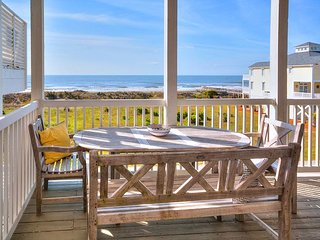 Spectacular Ocean Views! 4BR w/ Deck, Balcony, Pool, Hot Tub & Kiddie Pool