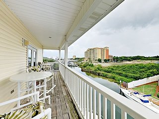 Sandpiper Cove - Gated 2BR w/ Canal Views & Shared Pools - Walk to Beach