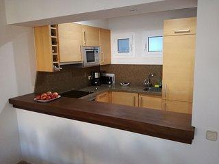 Modern-Spacious flat in Marbella, Rio Real Golf and beach.