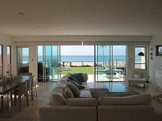 Absolute Beachfront Luxury House