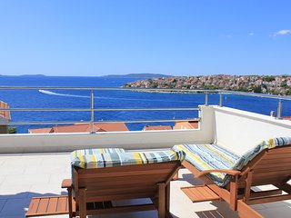 Mina Apartments (App2, 2nd floor) - nice, cozy apartment with sea-view terraces