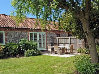 Priory Cottage in Beeston Regis, just outside Sheringham - 3 bedrooms sleeping 5