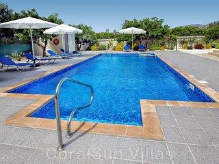 BeachFront Location - New Luxury Villa - Large Pool & Garden - Near to Amenities