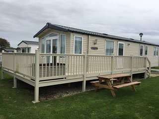 Stunning 3 bedroom caravan on primrose valley