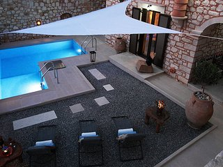 BOUTIQUE VILLA LACASA - PRIVATE POOL WITH JACUZZI