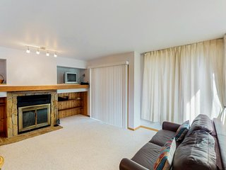 NEW LISTING! Cozy condo w/easy access to hiking & skiing - dogs welcome!