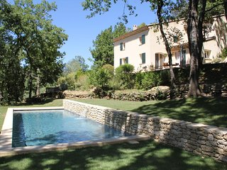 Petit Pibaraud - Pure Provence a stone's throw from Ansouis