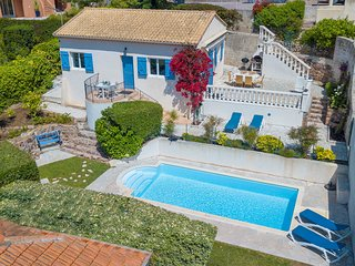 Gaiasvillas - Villa La Cigalette, with private pool, 50 mt from the beach