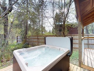 Dog-friendly cottage with private hot tub, great location, and views