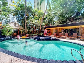 NEW LISTING! Charming suite w/shared pool & kitchenette -two blocks to the beach