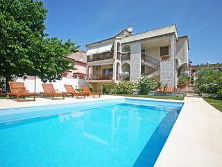 Apartments Maras A2+1