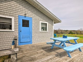 'Blueberry Cottage'-Dock on Scenic Back River Cove