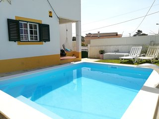 Villa Sol with pool near beach - Lisbon