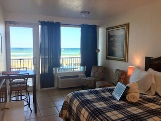 Cozy, Oceanfront getaway, Pirates Cove 127