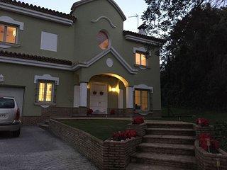 Villa de Lujo y golf Junto a Valderrama, La Reserva y R.C.Golf Sotogrande.