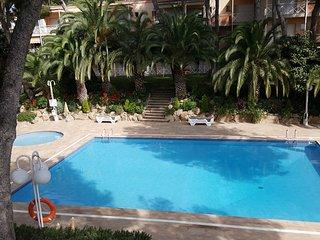 Apartamento con piscina a 100m del mar
