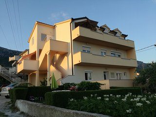 Magnificent View 3BD Apt close to Split