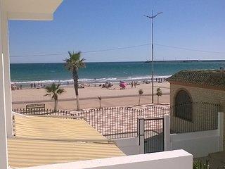 Primera línea de playa con piscina en playa del Carmen