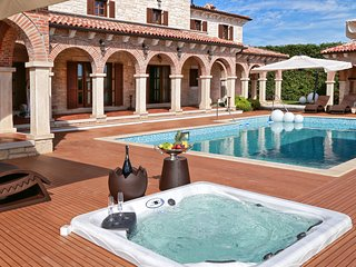 Luxury villa Carlus