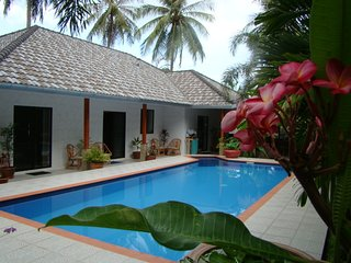 Leelawadee luxury pool garden villa Pak Nam Pran close to beaches and mountains