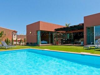 Par4 Villa 8!
