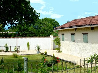 Charming couples Gite to let near Civray in the Vienne