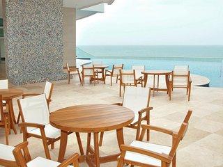 Palmetto Eliptic Beachfront Luxury in the Heart Of Bocagrande