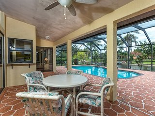 CAPE CORAL FLORIDA VILLA ON THE CANAL WITH  PRIVATE HEATED POOL