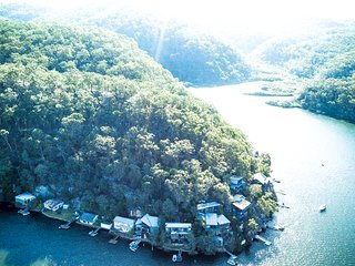 Calabash Bay Lodge, Hawkesbury River