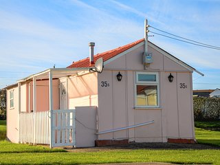 Spacious 1 Bed Holiday Chalet 35S at Priory Hill in Leysdown