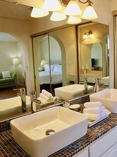 Masters Bathroom - Upstairs