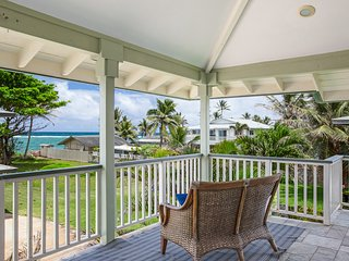 Hauula Beach Retreat - Beach view! AC, Experience island living to the fullest!