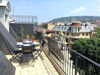 Centenario, amplias terrazas y vistas.