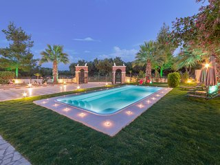Fontana 4 Bedroom Holiday Home with Private Pool